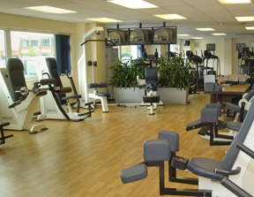 Light, bright, air conditioned gym