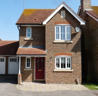 Three bedroom detached house with 1 double, 1 twin and 1 single bedroom