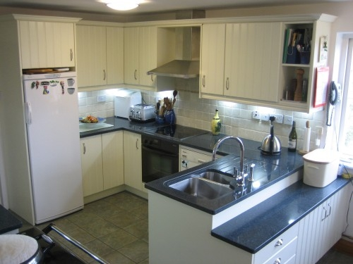 Replacement kitchen for Mr & Mrs Wells Wallingford with 30mm Zodiac quartz worktops