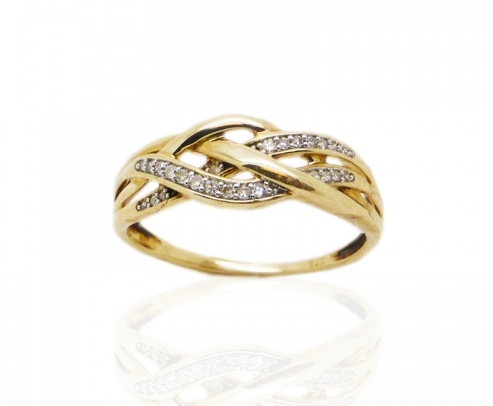 9 ct Yellow Gold Diamond Ring