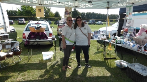 Jeanie (owner) and Dawn (stall stalwart)