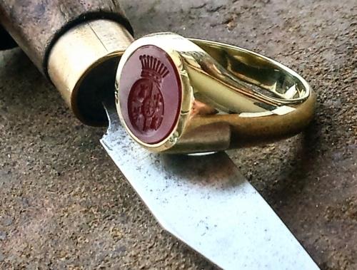 Cornelian set gold signet ring