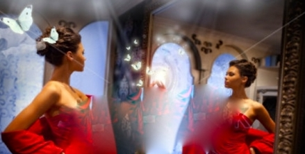 Lights, Camera, Pose, Face the Mirror, Action!!!!