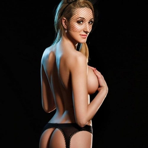 Amanda hgh-class escort